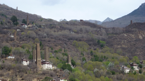 Old stone towers at Suopo, 4km SE of Danba.