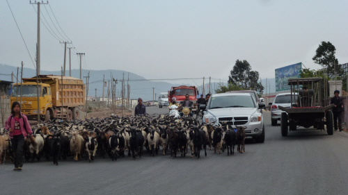 Traffic got heavier as we approached Xichang.