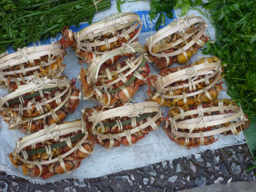 Tidy parcels of crabs at the market.